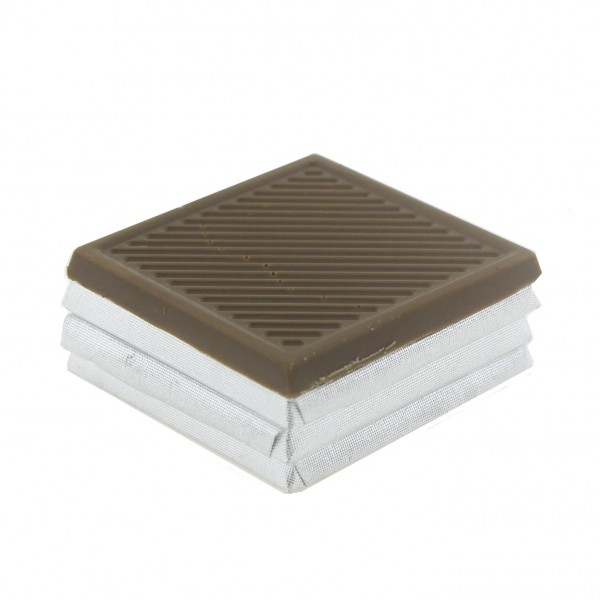 24 Adet Madlen Çikolata İyi Bayramlar Ahşap Kutuda