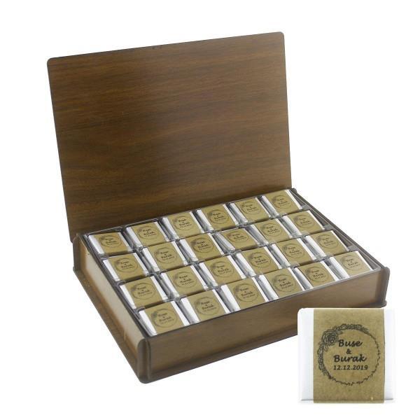 48 Adet  Kraft İsim Etiketli Madlen Çikolata Ahşap Kutuda
