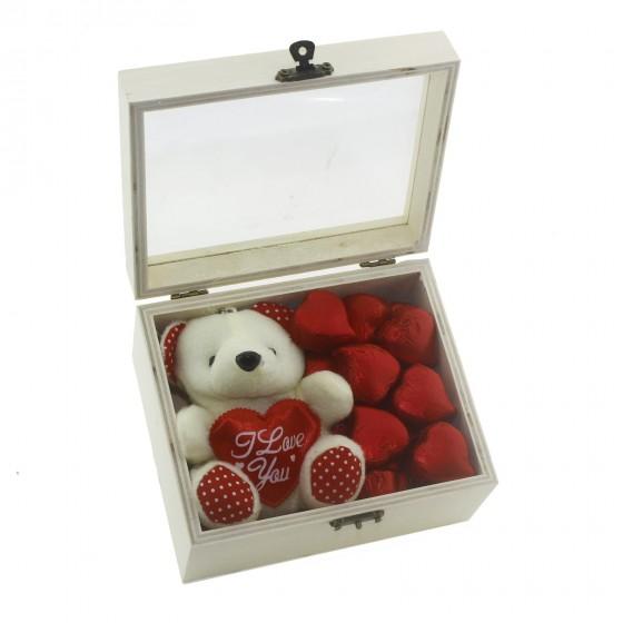 Ahşap Kutuda 30 Adet Kalp Çikolata ve Krem Ayıcık Sevgiliye